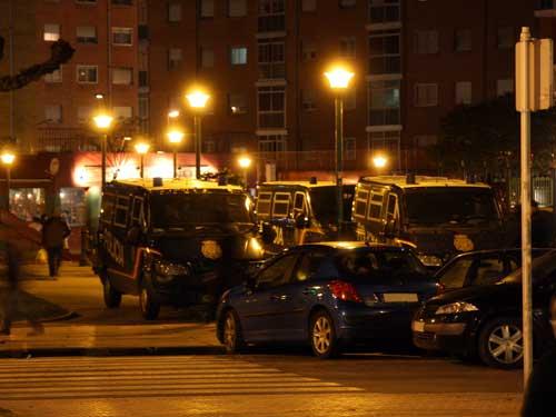Polis en la Plaza Roma
