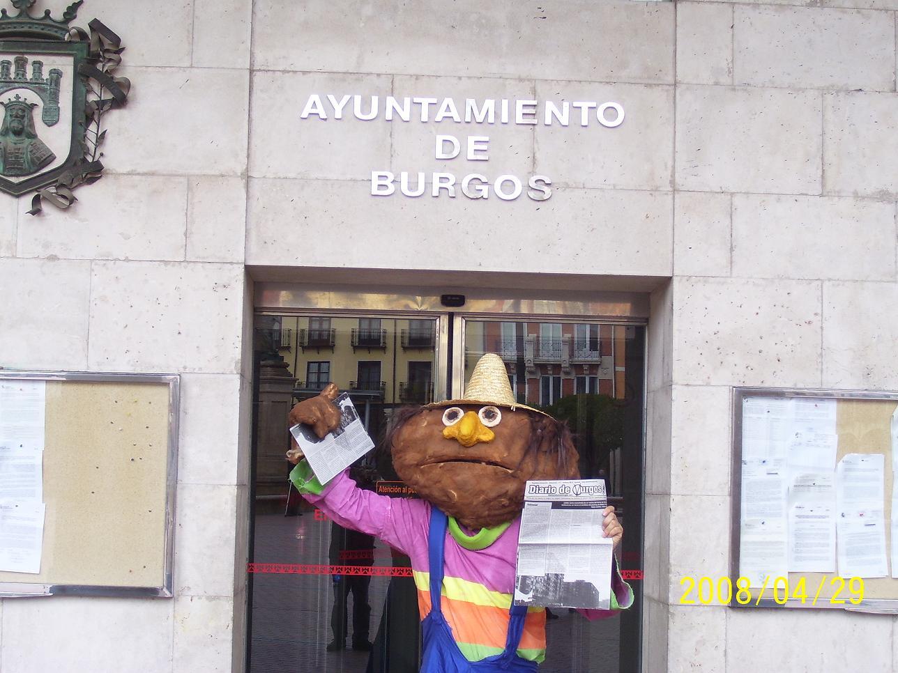 Don Pimpón frente al Ayuntamiento de Burgos